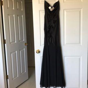 Cache Black Strapless Gown 🌻